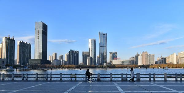 """打造""""新洛玻""""强力助推洛阳副中心城市建设"""